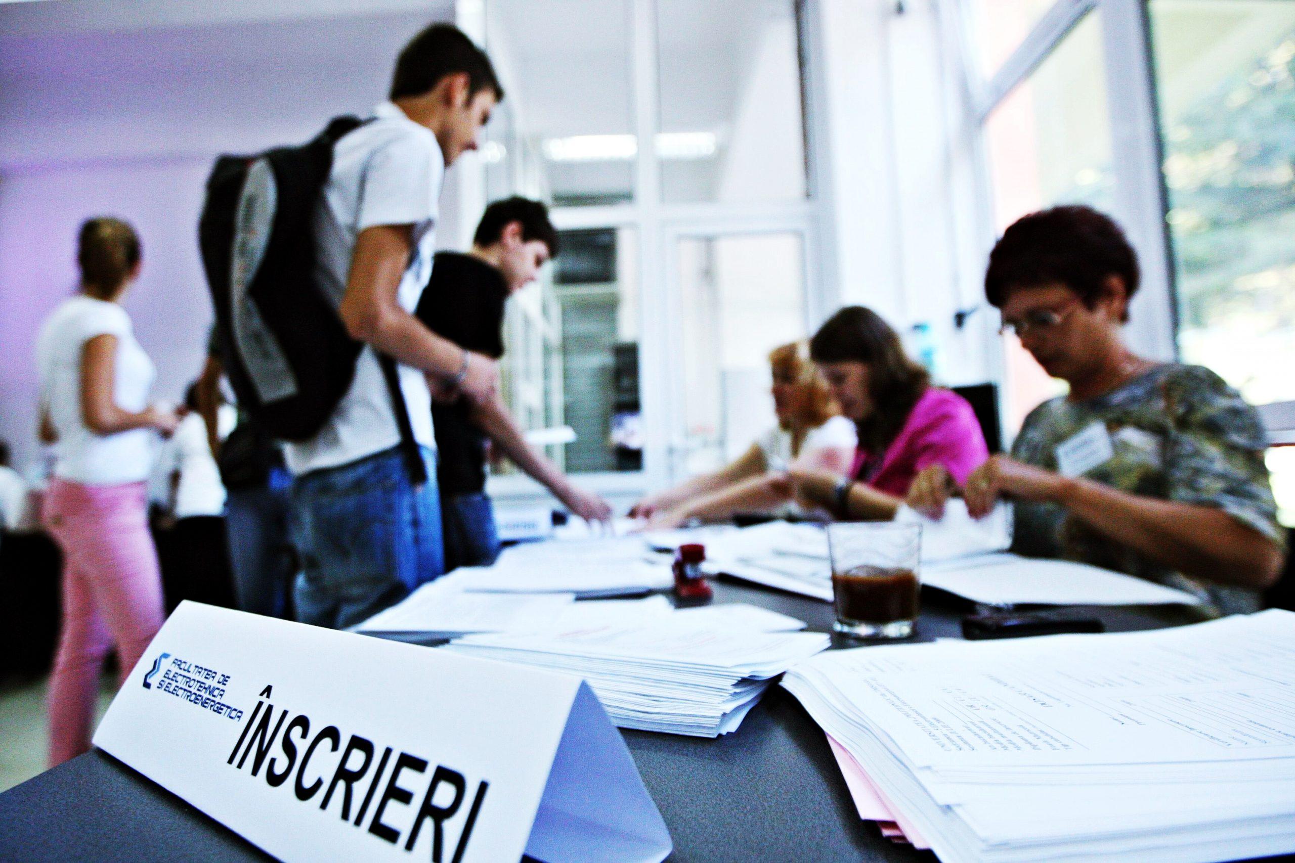lege studenti admitere online