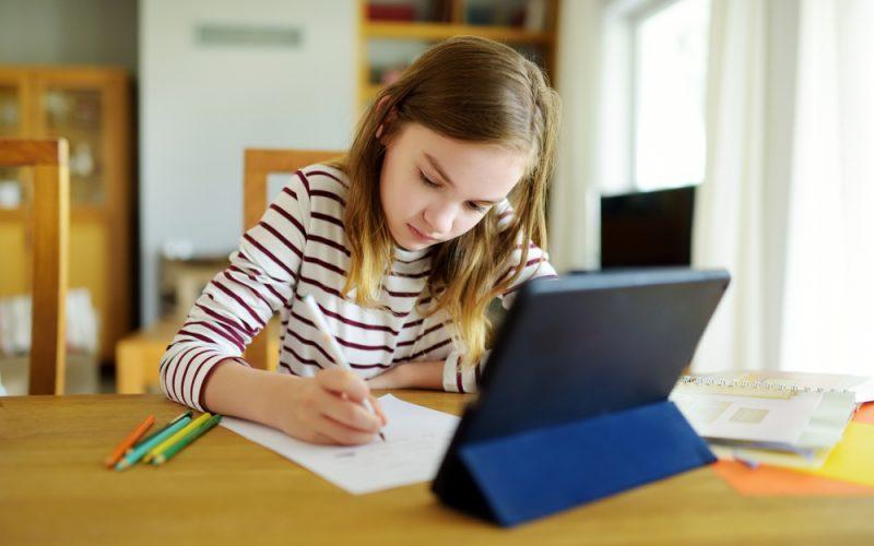 tablete scoli si universitati