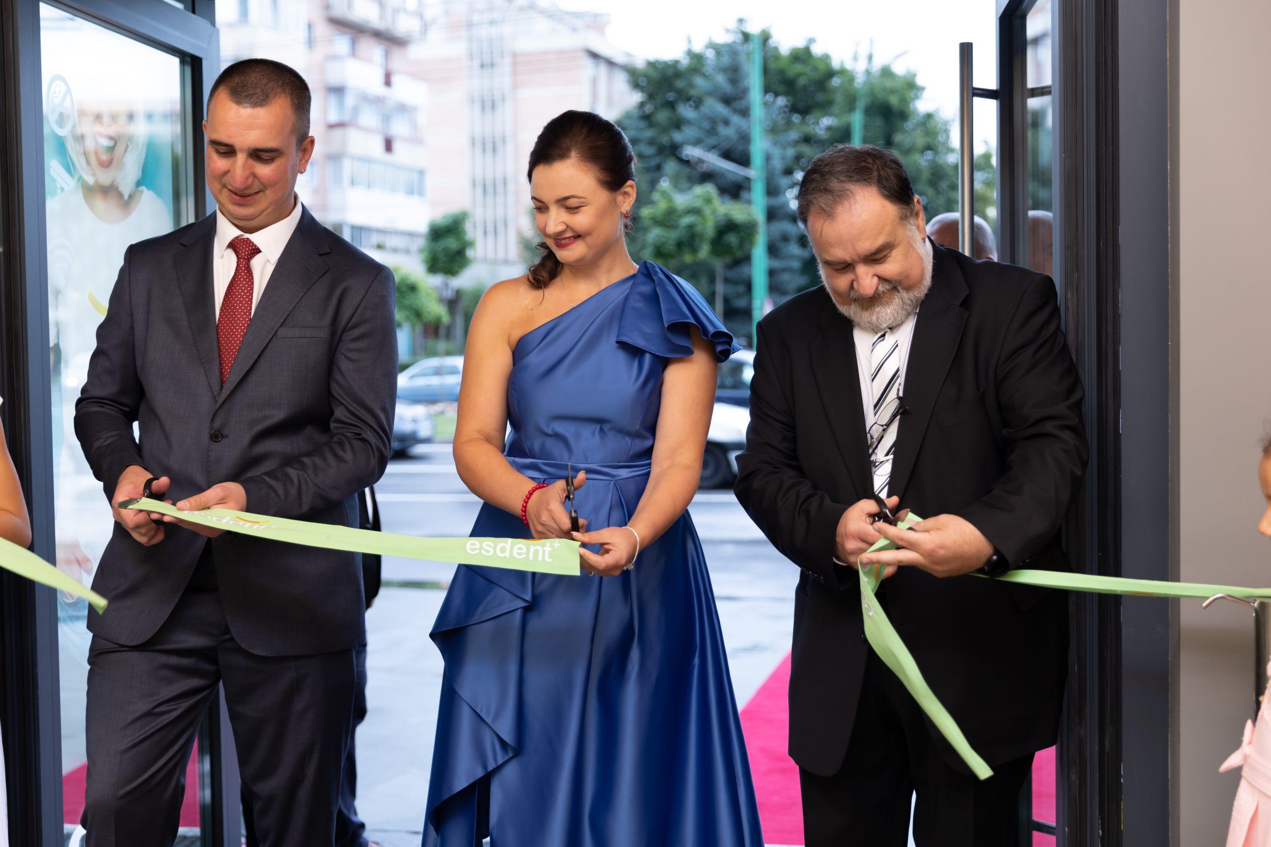 EsDent Brasov inaugurare clinica multidisciplinara